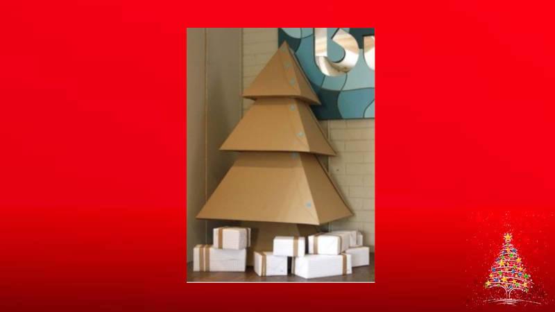 Haz con cajas un hermoso árbol de Navidad